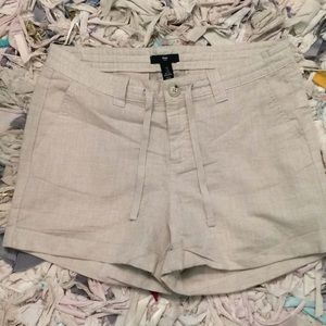 Gap size 4 linen shorts ...cuffed..